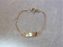 Baby naam armbandje goud gourmet schakel, klein plaatje 9 tot 11 cm.