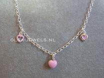 Bedel collier met 3 roze hartjes
