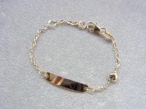 Gouden naamplaat armbandje met open schakeltje en klein hartje 11 tot 13 cm.