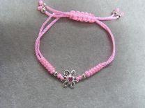 Baby, kinderarmbandje, verstelbaar roze koordje met roze bloem bedeltje