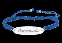 Koord armband, naam armbandje met zilveren plaatje en gekleurd koord.