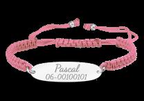 Koord armband met zilveren plaatje voor naam en telefoon nummer.